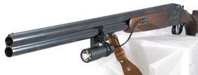 Двуствольное гладкоствольное охотничье ружье с фонарем