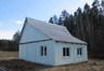 Дом 10 км от Плещениц - 10 метров до леса, до озер 2,5 км.